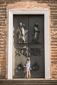 Macht hoch die Tür, die Tor macht weit; es kommt der Herr der Herrlichkeit.