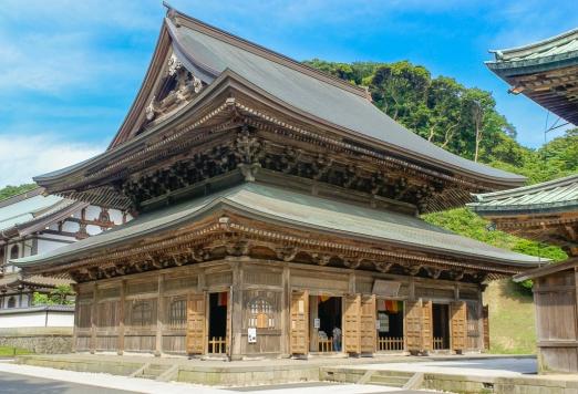 Die Lehrhalle (法堂, hattō), stammt aus dem Jahre 1814.