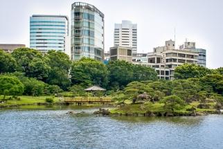Der Kyū Shiba Rikyū Garden (jap. 旧芝離宮恩賜庭園). Die Anfänge dieses Gartens liegen in der Edo Zeit.