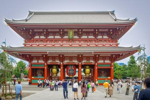 Das Eingangstor des Sensō-ji Tempels.