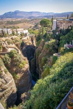 Die Schlucht Tajo de Ronda wird vom Fluß Río Guadalevín gebildet.