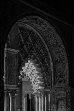 Der Alcázar von Sevilla ist ein Stadtpalast der einst von den Almohaden errichtet wurde.Er wurde von vielen Herrschern umgebaut und erweitert.