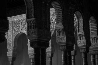 Die Alhambra ist eines der bedeutendsten Beispiele der maurischen Baukunst und Kultur.
