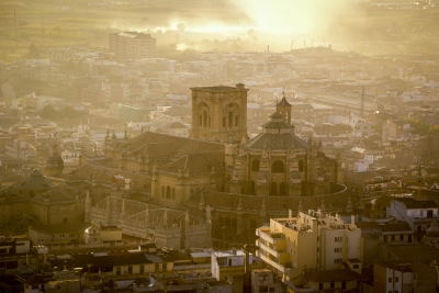 Die Kathetrale von Granada mit der Grabkapelle Capilla Real.