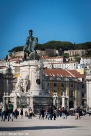 Der Platz Terreiro do Paço (Palastterrasse) ist heute ein großer ebener Paltz mit der Statue von König Joseph I. in der Mitte.