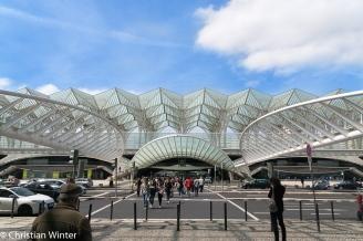 Der Bahnhof Lissabon-Oriente wurde entworfen von Santiago Calatrava und stellt den Mittelpunkt des Parque das Nações dar.