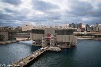 Das Ozeaneum von Lissabon ist zurzeit das größte Indoor-Aquarium Europas. Allein das große Hauptaquarium fasst 5 Millionen Liter Wasser.
