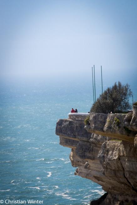 Die Felsen von Nazarè bieten einen wunderschönen Ausblick auf den Atlantik.