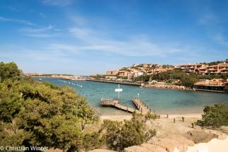 Porto Cervo ist ein Urlaubsort an der Costa Smeralda. Im Sommer ligen hier die ganz großen Segelyachten.