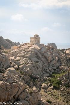 Der alte Leuchtturm von Capo Testa.
